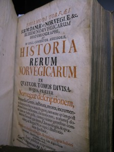 The Tormod Torfæus Trust has translated seven volumes of the Historia rerum Norvegicarum from Latin to Norwegian. The volumes will also be available in English. (Photo Cathrine Glette)