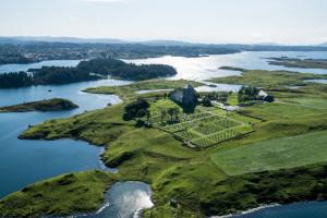 Kongsgårdområdet  har mange gode havner. (Foto Aerophoto Norge AS)