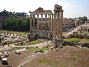 Forum Romanum var hjertet i den romerske siviliasjonen. Dette området var sentrum for det politiske, juridiske og kommersielle livet i  Roma. (Foto Marit S. Vea)