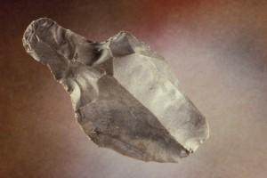 Pilespissen fra Snik ligner på det som i Danmark kalles Lyngbypiler, og finnes på 12 000 år gamle boplaser. (Foto AmS)